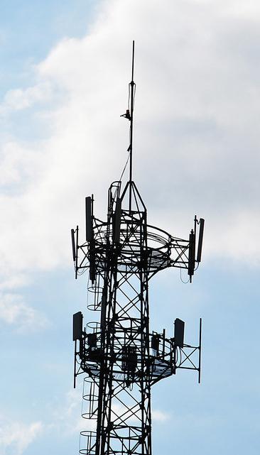 安装移动信号塔的安全距离